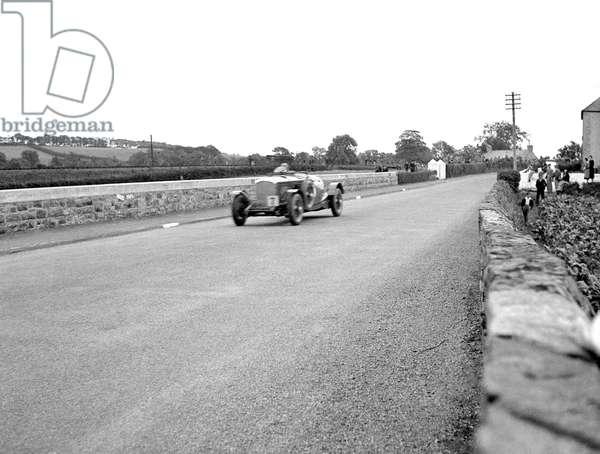 Pre war 1934 35 Ards TT, Eddie Hall driving a bentley, 1930 (photo)
