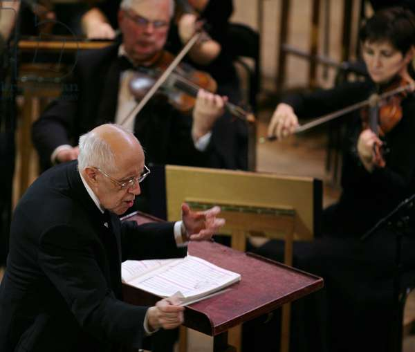 Conductor Mstislav Rostropovich and the Russian Svetlanov State Academic Symphony Orchestra performing Violin Concerto No. 1 at a festival celebrating the centennial of composer Dmitri Shostakovich at The Conservatory Grand Hall in Moscow, 2006 (photo)
