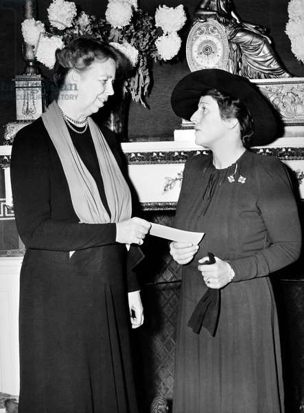 Eleanor Roosevelt & Pearl Buck (b/w photo)
