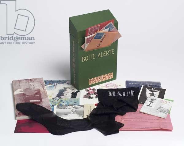 Boîte alerte (Emergency Box), 1959 (mixed media) (see also 451045, 451046, 451048, 451049, 451050, 451051 & 451052)