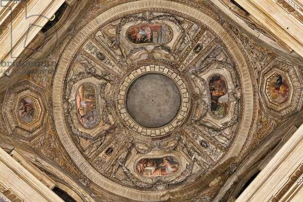 View of the Vault of Poggi Chapel, Chiesa di San Giacomo, Bologna, Italy (photo)