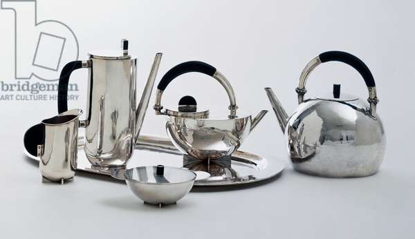 Tea or coffee in silver with ebony taken in 1924 or so, realized by Marianne Brandt (1893-1983). 20th century.