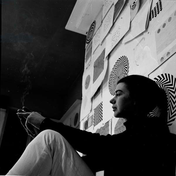 Bridget Riley, 1964 (b/w photo)
