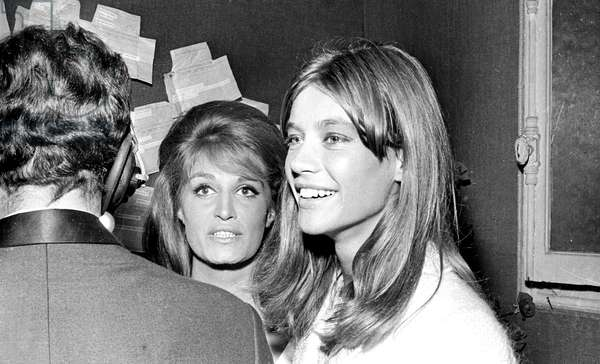 Francoise Hardy at the Dalida Premiere at the Olympia, 3 September 1964 (photo)