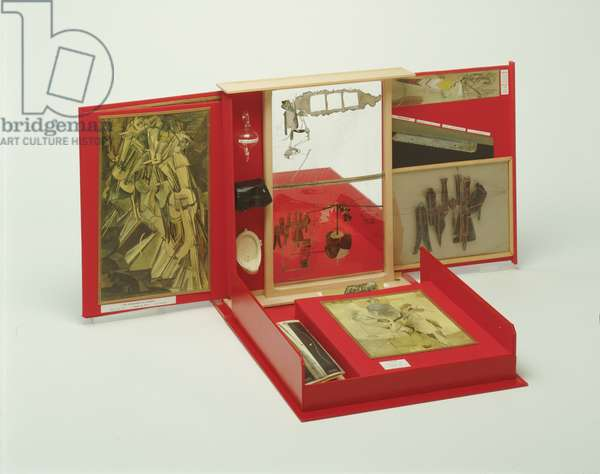 Box in a Valise (Boîte-en-Valise), 1941 (mixed media)