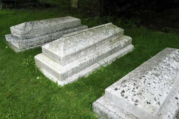 Thomas Hardy family graves