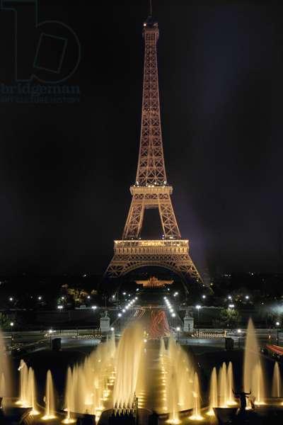 PARIS: EIFFEL TOWER Eiffel Tower and Trocadero Fountains.