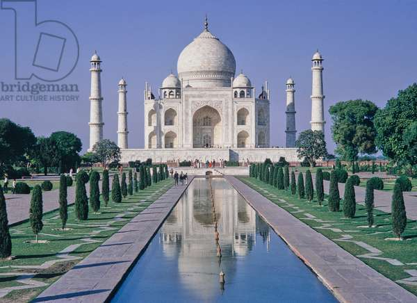 Taj Mahal, from top of Gateway, Agra, India (photo)