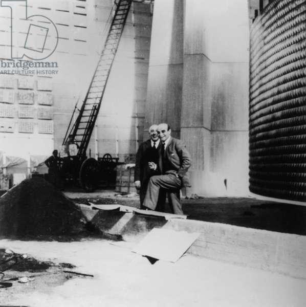 Lucio Fontana (1899-1968) and Fausto Melotti (1901-1966), 1961, photograph (photo)