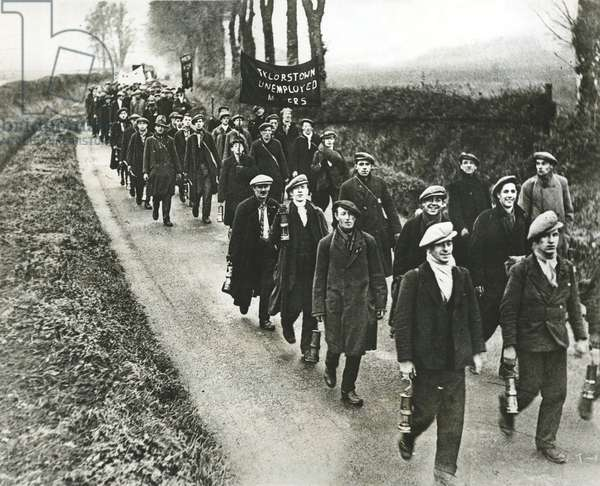 Welsh Coal Miners March To London To Protest Unemployment, 1929 (photo)