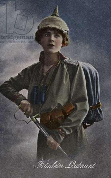 Miss Lieutenant (photo)