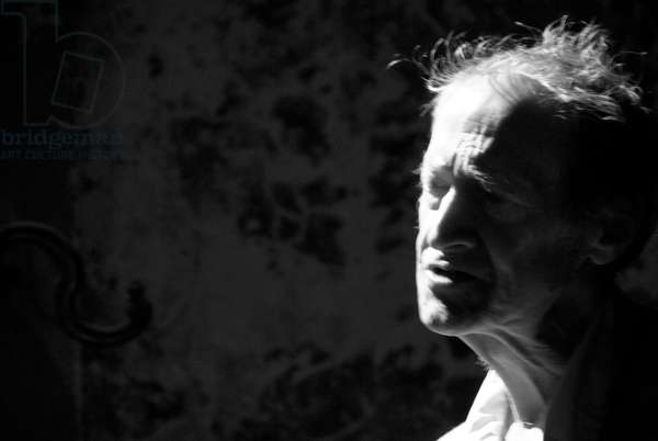 Michael Horovitz, Museum of Immigration, London, September 11th 2009 (b/w photo)