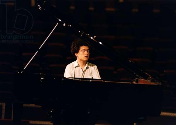 Evgeny Kissin playing piano