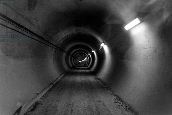 General view of the inside of a tunnel during the construction of The Channel Tunnel, December 1990 (b/w photo)