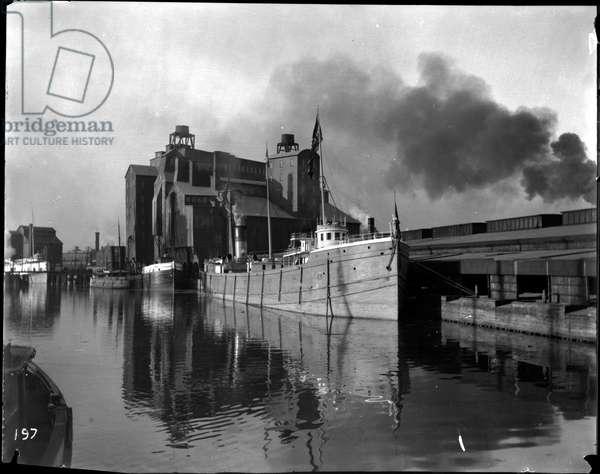 Lake freighter - John Craig, 1893 (b/w photo)