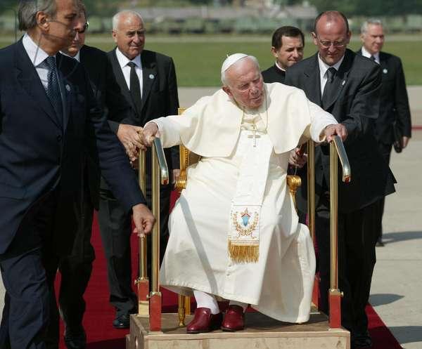 Pope John Paul II in Banja Luka, Bosnia Erzegovina, 2000 (photo)