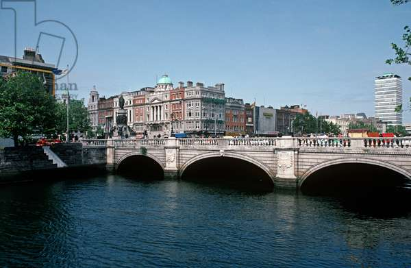 O'Connell Bridge, Dublin, referred to in James Joyce 'Ulysses', Ireland (photo)