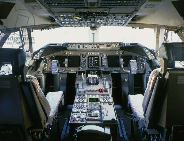Cockpit interior of a Boeing 747-400