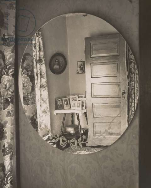 Reflection in Oval Mirror, from The Home Place, 1947 (gelatin silver print)