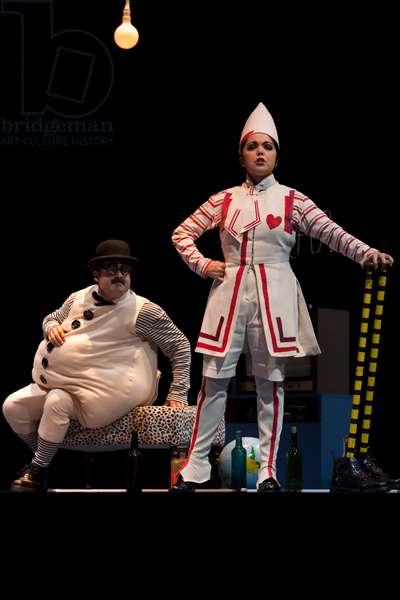 Juan Antonio Sanabria as Sempronio and Angélica Mansilia as Volp (photo)