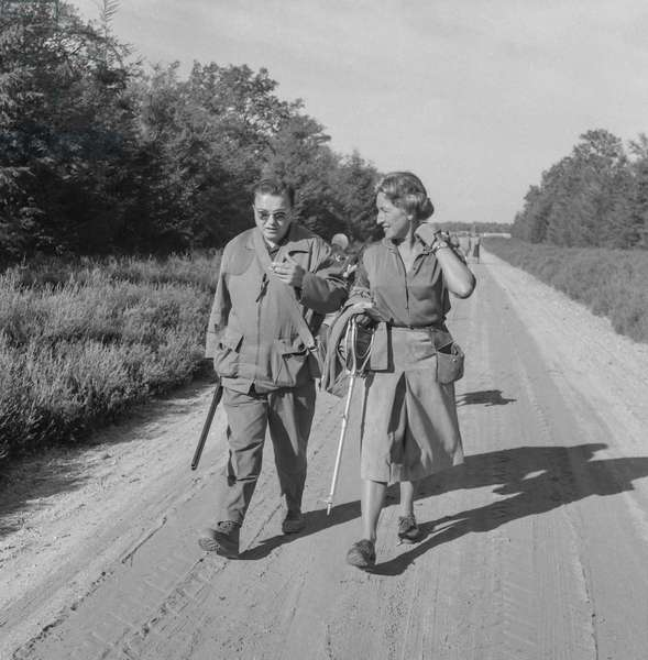 Hunting, France, September 1960 : a man and a woman (b/w photo)