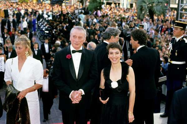 French Actor and Singer Yves Montand With his Last Wife Carole Amiel at Cannes Film Festival in 1989 (photo)