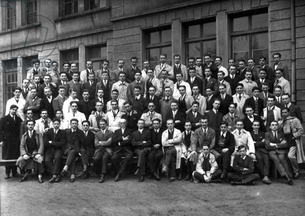 Class of 3rd year at Grande Ecole of Engineering in Lyon in, 1928: Paul-Emile Victor is at th etop, 7th from l (b/w photo)