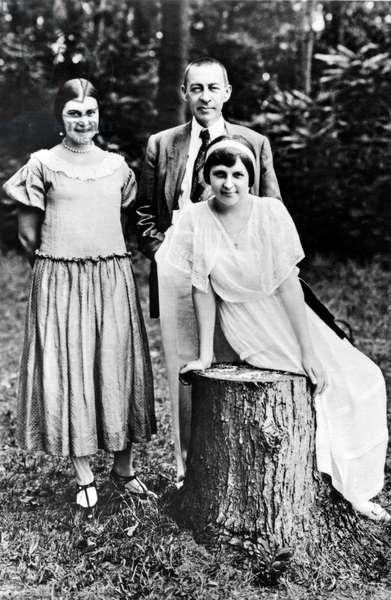 Sergei Rachmaninoff & Daughters in 1924