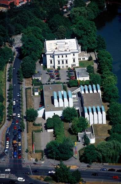Bauhaus Archive and Villa van der Heidt, Tiergarten, Berlin, 2007 (photo)