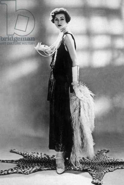 woman wearing Chanel dress, 1928