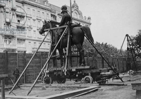 Transportation of the Radetzky Memorial in Vienna, 1912 (b/w photo)