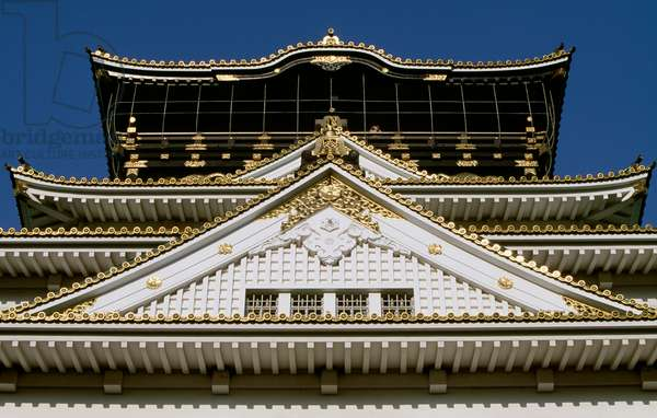 Architectural detail of roof of Osaka Castle, Kansai, Osaka, 16th century, Japan