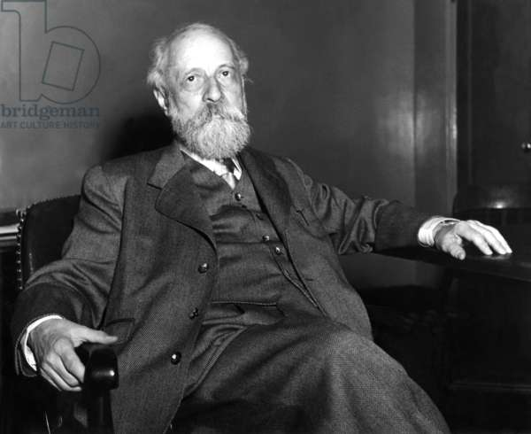 The religious philosopher Martin Buber in an undated recording (b/w photo)