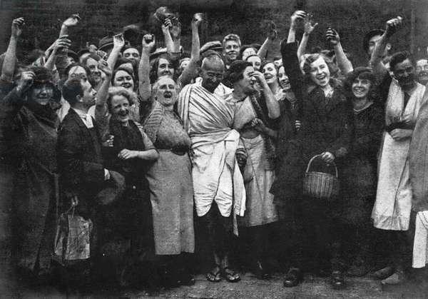 GANDHI IN ENGLAND 1931