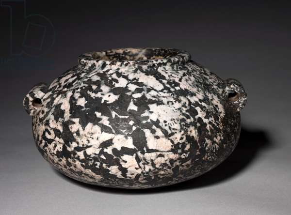 Squat Jar with Lug Handles, Early Dynastic Period, 1st to 3rd Dynasty, 2950-2573 BC (pegmatitic hornblende diorite)