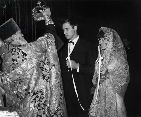 Veronique Zuber Miss France 1955 During Her Wedding At The Russian Church De La Rue Daru In Paris With Prince Georges Bibikoff Dentist Former French Champion De Javelot Le 10 February 1965 (b/w photo)