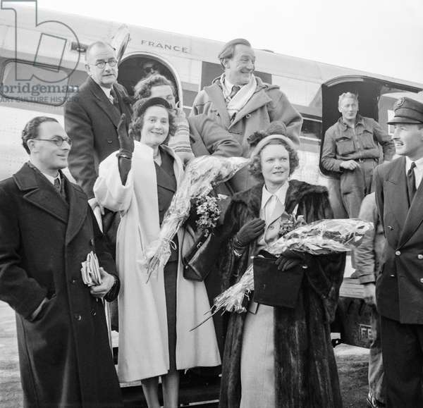 Peter Churchill, Herbert Wilcox, Trevor Howard, Odette Churchill (Odette Samson, former Resistance fighter) and Anna Weagle arriving in Paris, October 24, 1950ris, October 24, 1950 (b/w photo)