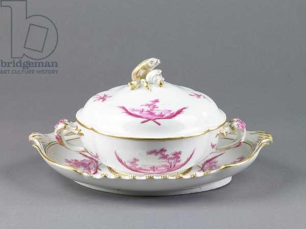 Broth Basin and Stand, Vincennes Factory (glazed porcelain with enamels & gilding)