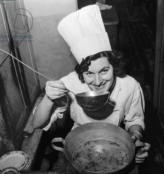 Competition for the best housewife, Paris, October 10, 1950 : the winner, Jeanne Perdriaux (b/w photo)