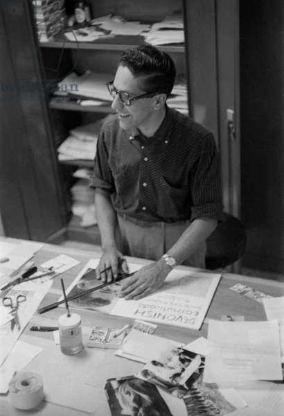 Carlos Cruz-Diez in his design studio, Revista  Momento, Caracas, 1957 (b/w photo)