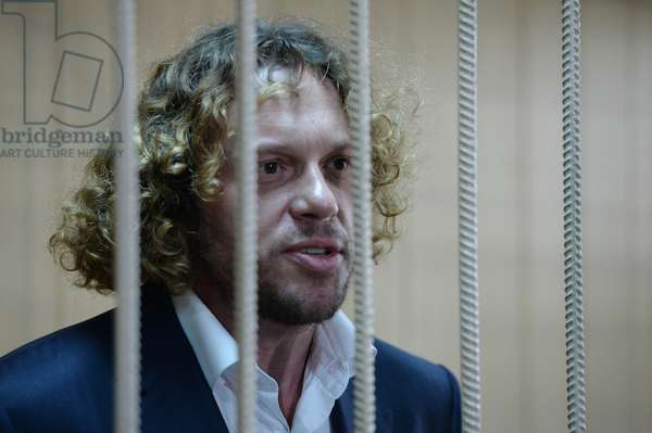 Business person Sergei Polonsky during examination of investigators' request for extending his arrest warrant at Moscow's Tverskoi District Court, 2015 (photo)