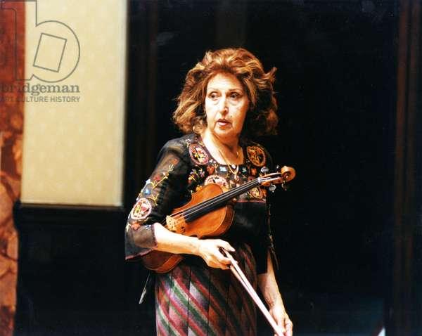 Ida Haendel with violin
