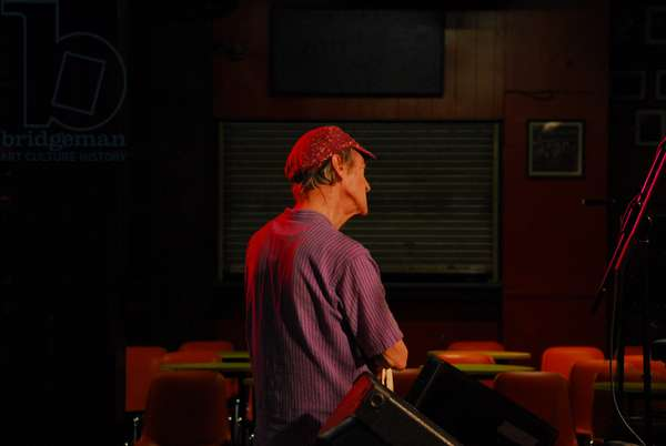 Michael Horovitz, 100 Club, London, Poetry Day October 2010 (photo)