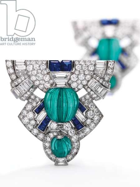 Pair of Art Deco dress clips, c.1925 (diamonds, emeralds, sapphires & platinum)