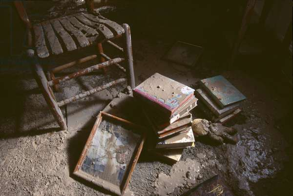 Flood-damaged items in a home (photo)