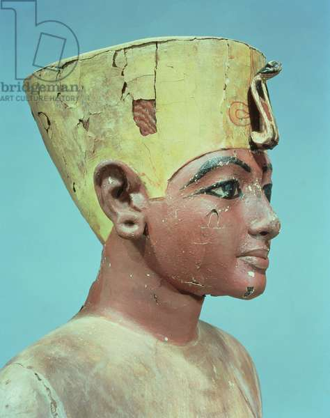 Head of a 'dummy' of the young Tutankhamun (c.1370-52 BC) wearing a compromise between the crown of the kings of Lower Egypt and the headdress of Nefertiti (painted & stuccoed wood) (see 148489)