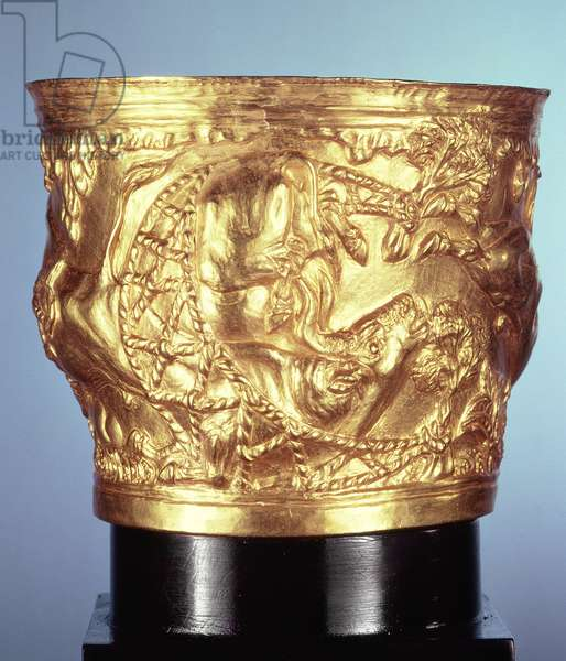 Cup, found in the royal tomb of Vaphio, Sparta, late Minoan I, c.1500 BC (gold)