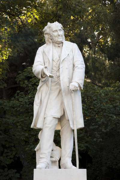 Statue of Michel Eugene (Michel-Eugene) Chevreul (1786-1889), French chemist, director of the Natural History Museum in Paris, marble sculpture by Leon Fagel (1851-1913). Photography, KIM Youngtae, Paris.