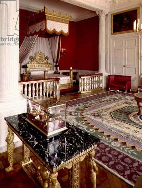 Bedchamber of Empress Marie-Louise in the Grand Trianon (photo)
