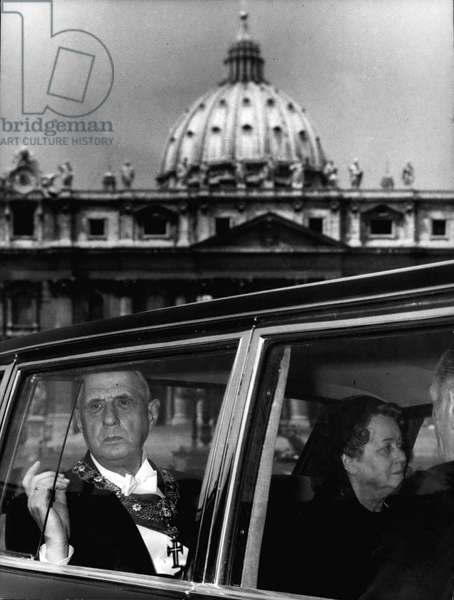 May 31, 1967 - Vatican City - Pope Paul VI received in a official audience, the President of the French Republic Charles De Gaulle, accompanied by his wife